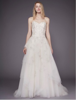 vestido de novia para mujeres con poco busto