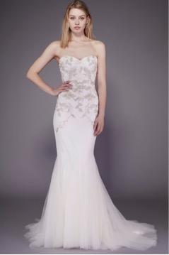 vestido de novia para mujeres con piernas largas
